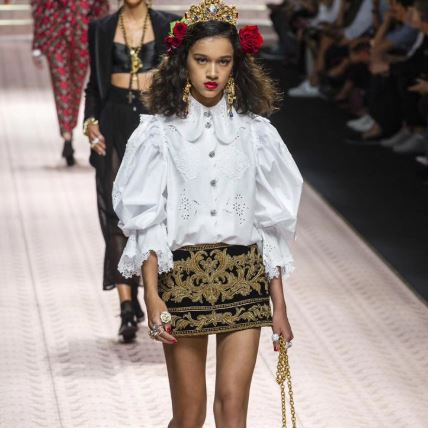 2019 summer fashion women s shirt Hollow lantern Sleeve Exquisite embroidery Runway designer elegant top blouse