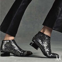 Desigener's Shoes Women Celebrity Kori Studded Boots Classic Mid Lift Heel Pointed Toe Cobat Ankle Booties Mujer Women Shoes