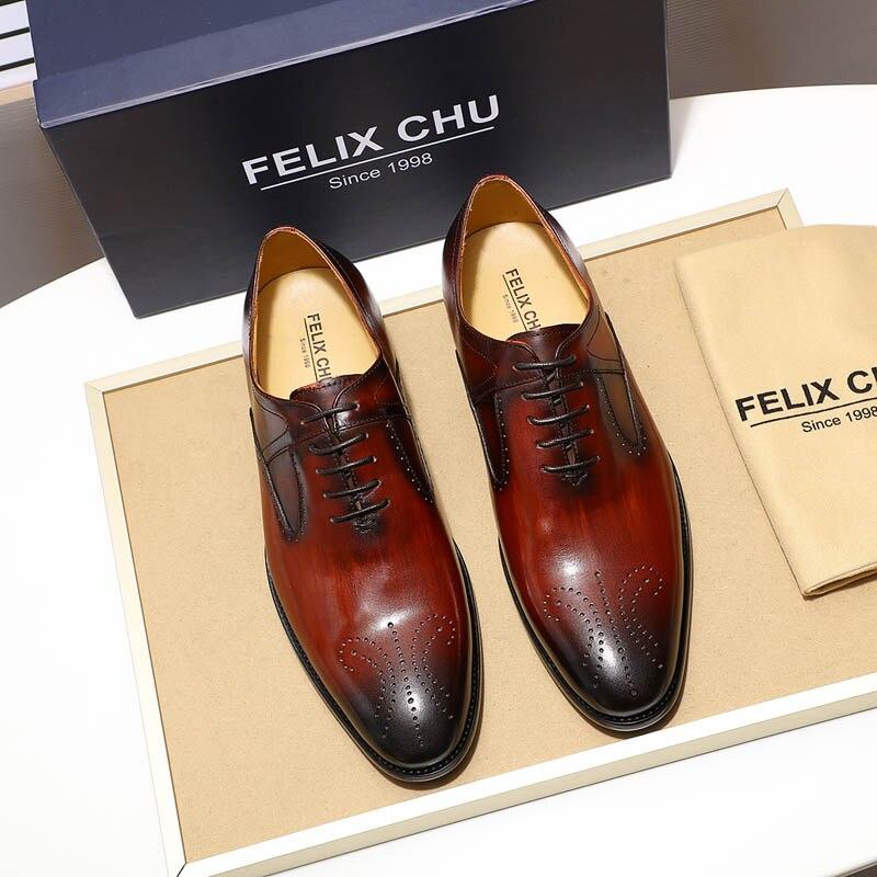 2019 hoge kwaliteit elegante mannen medaillon oxford schoenen echt leer blauw wijnrood mens kleding schoenen bruiloft formele schoenen-in Formele Schoenen van Schoenen op  Groep 2