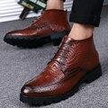 Nueva Llegada de La Tendencia Popular de Punta estrecha PU Con Piel de Cocodrilo de Impresión de Alta Top Lace Up Joven Hombre Zapatos Casuales