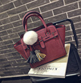 Spring 2017 New Hair Hanging Ball Hit The Color Handbag Shoulder Handbag Fashion Messenger Bag Tide