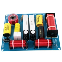 цена на Hot TTKK 2Pcs 300W 3 Way Treble Medium Bass Speaker Frequency Divider Crossover Filter