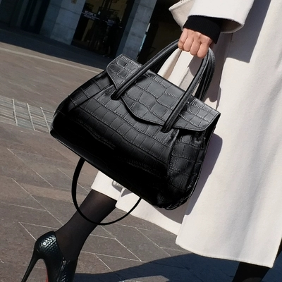NEW High quality Brand Designer Handle Tote Women Bag  Crocodile Handbag Vintage Large Shoulder Messenger Bag Brand Bag FemaleNEW High quality Brand Designer Handle Tote Women Bag  Crocodile Handbag Vintage Large Shoulder Messenger Bag Brand Bag Female