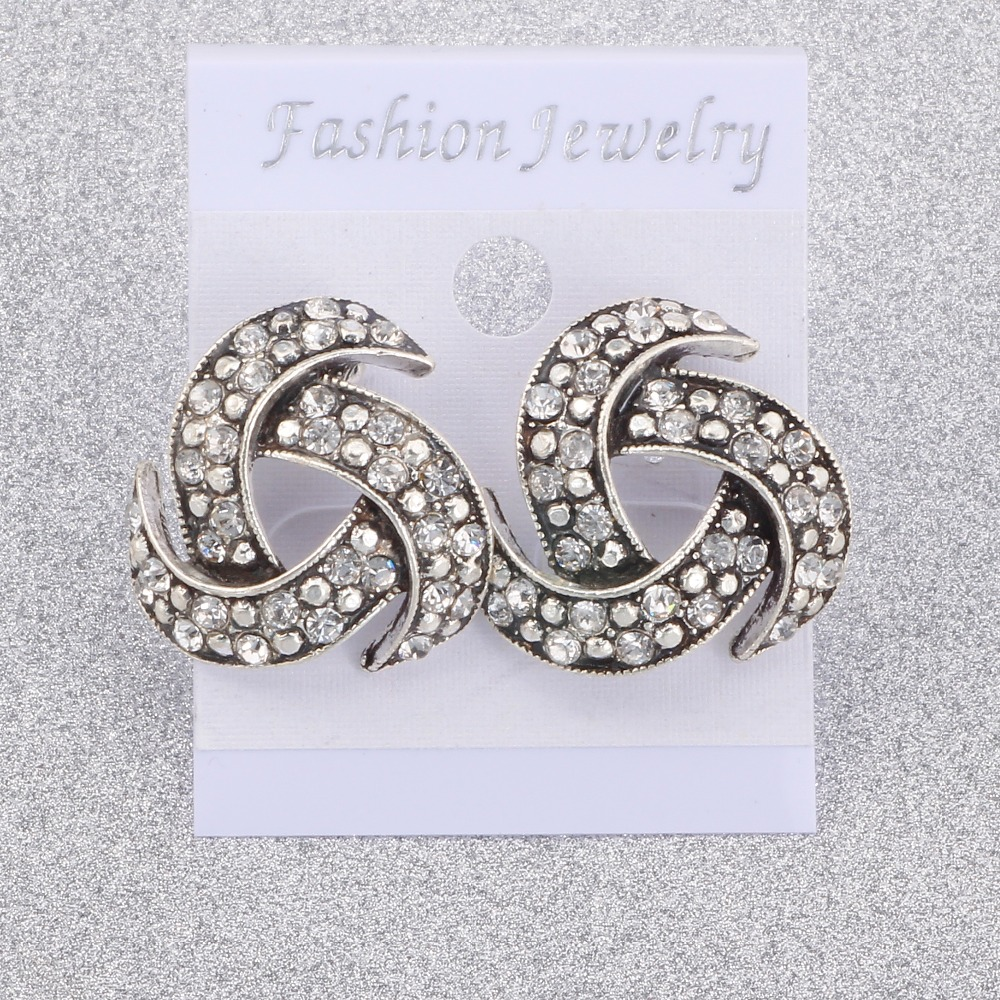 Hot Selling Earring 2018 Fashion Crystal Stud Earrings Women Alloy crystal Studs Earring For Women Jewelry Accessories in Stud Earrings from Jewelry Accessories