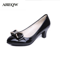2017spring New Bow Tie And Middle Heel Patent Leather Women Shoes Round Head And Large Size
