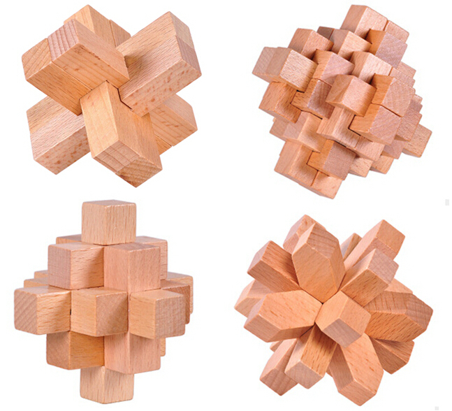 4PCS / LOT Classic 3D Brain Teaser Puzzle Puzzle Burr Interlocking Puzzle pentru Adulți