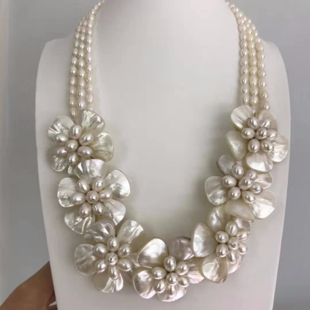 Beautiful Natural FW Pearl Flower Necklace White MOP Shell Bridal Wedding Jewelry-in Choker Necklaces from Jewelry & Accessories    2