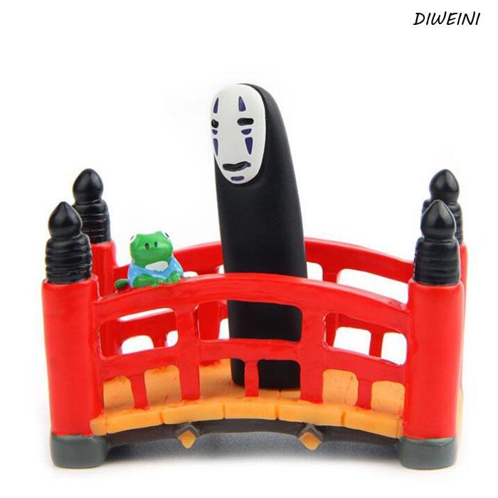 1 Pcs/set New Red Bridge Diversity Combination Spirited Away Play House Doll Miniature Model Figure Decoration Ornaments