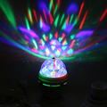 3 W E27 RGB Full Color Lâmpada LED de Cristal Auto Rotating Stage efeito DJ Disco Light Bulb Mini festa de laser Luz de Palco Livre grátis