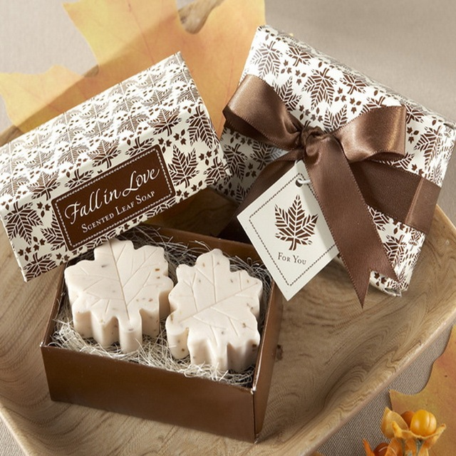 200pcs 100bo Lot Autumn Themed Wedding Favors Fall In Love Scented Leaf