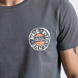Image 4 - SIMWOOD T Shirt erkek 2020 ekip boyun yaz yeni grafik baskı moda Slim Fit TShirt yüksek kalite artı boyutu rahat tops 180044