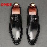 OMDE британский стиль Бизнес Для мужчин строгие кожаные туфли острый носок Пряжка Туфли под платье Мужская Свадебная обувь модные офисные ту