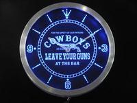 Nc0365 ковбои оставьте ваше Пистолеты в баре пива неоновая вывеска LED настенные часы
