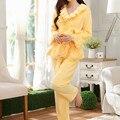 Elegante de Las Mujeres Conjuntos De Pijamas de Franela de Manga Larga Conjunto Ropa de Dormir de Coral de Invierno de Terciopelo Espesar Caliente Volantes de Encaje Ropa de Dormir
