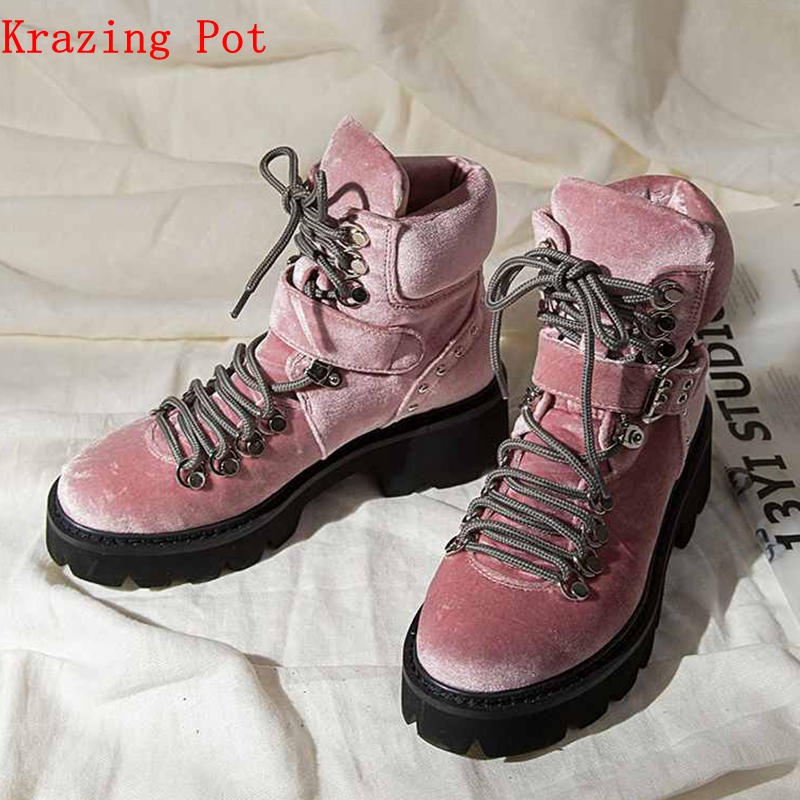 Krazing Pot velvet material shoes pretty handsome girl motorcycle boots round toe Winter neutral punk designer ankle boots L28Krazing Pot velvet material shoes pretty handsome girl motorcycle boots round toe Winter neutral punk designer ankle boots L28