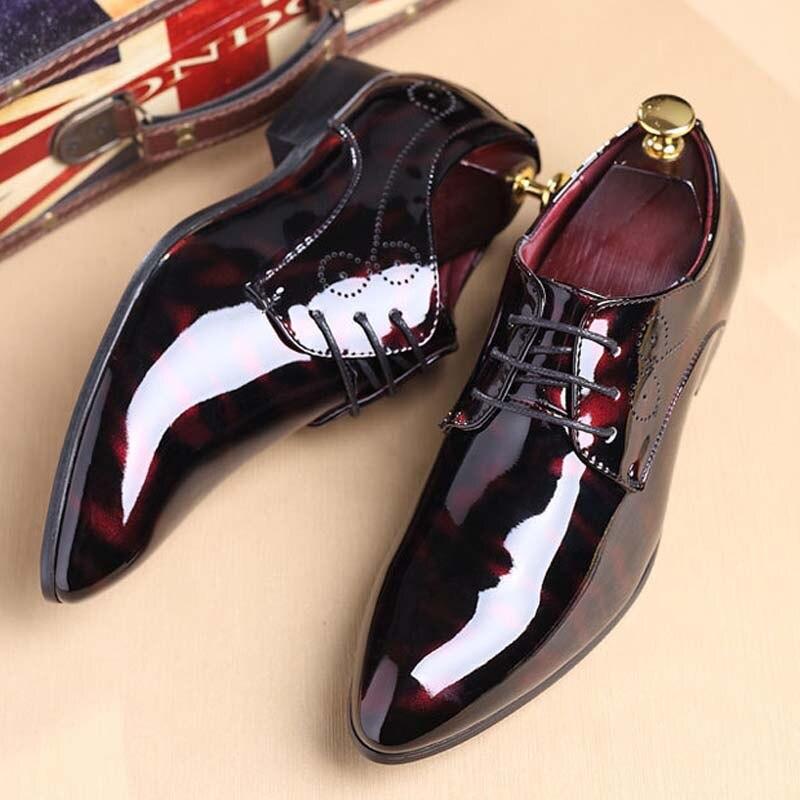 YATNTNPY Plus Grande Taille Hommes chaussures mode Robe chaussures PU Chaussures en cuir Bout Pointu Oxford Homme Élégant Parti Brillant de mariage chaussures