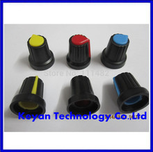 500 Pcs Alta qualidade plástico potenciômetros potenciômetros maçanetas Knob para única dupla Cor aleatória