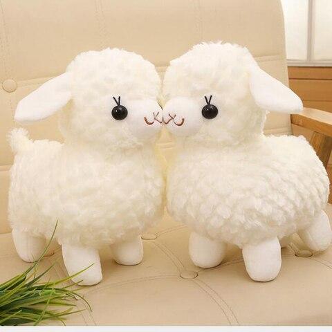 novo branco bonito alpaca ovelhinha boneca de brinquedo de pelucia bonito do animal grama lama