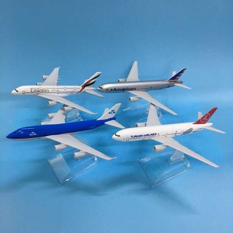JASON TUTU Aircraft Model Diecast Metal 1:400 Emirates Airbus A380 16cm Airplanes Plane Model Airplane Model Turkey Boeing 777