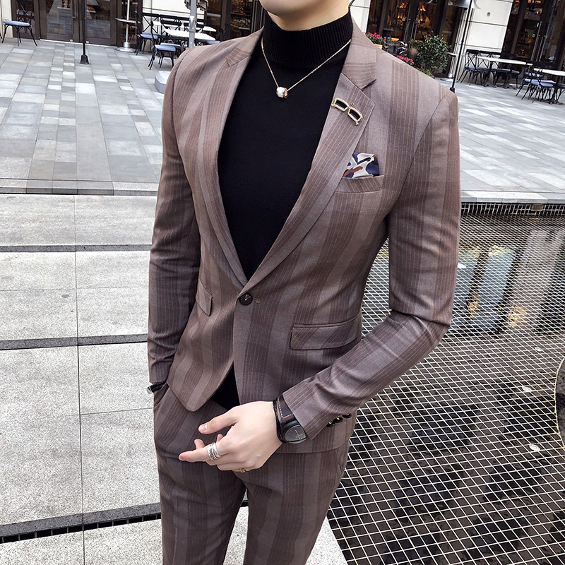 Korean version of the men's striped suit two sets of 2018 new clothes night tide coat Slim suit male groom wedding suite 2017 autumn girl doll shirt the fashionable two piece set of pure color lotus leaf coat with harness sets tide