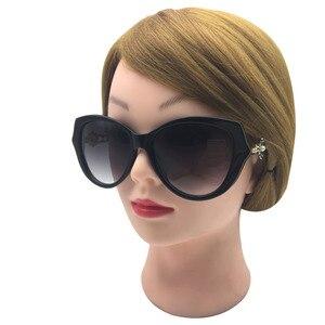 Image 4 - Zonnebril Vrouwen Charmante Vintage Elegante Bloem Versieren Dames Zonnebril Luxe Vrouwelijke Sexy Meisje Brillen