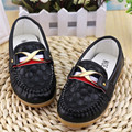 2016 Venta Como Las Tortas Calientes Blanco Marrón Negro Zapatos de Los Niños Niños Niños Y Niñas Zapatos de Cuero de La Pu Tamaño de la Zapatilla de deporte 21-30