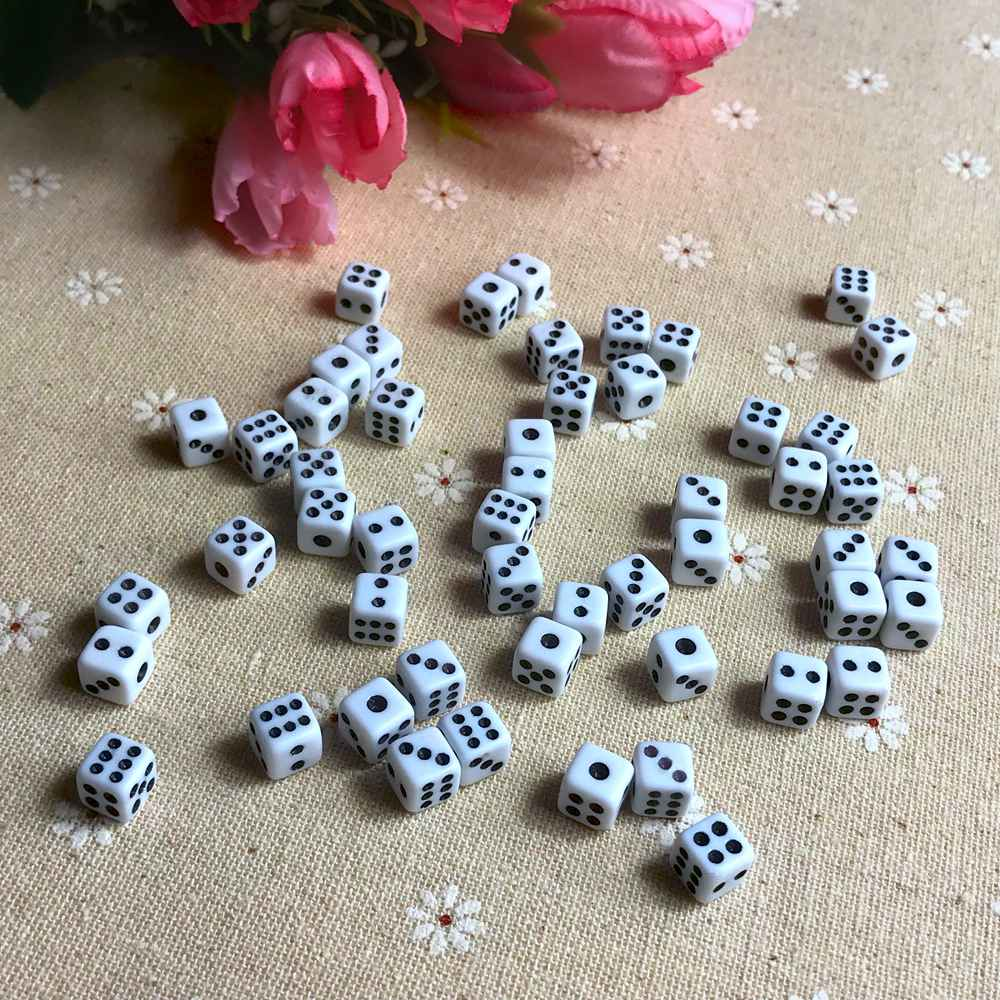50 Pcs/lot Dices 8mm Plastic White Gaming Dice Cubes Standard Six Side Decider Parties Board Game Dados Dobbelstenen Wholesale