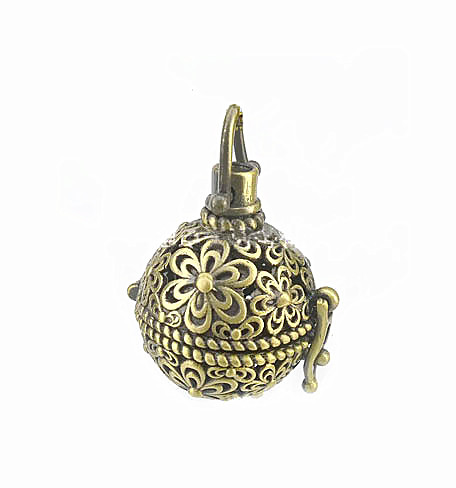 Vintage Filigree Flower Hollow Round Ball Box Cage Locket Pendant For DIY Essential Oil Diffuser Perfume Sound Chime Necklace