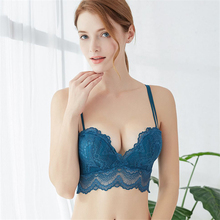 цена на 2018 floral wireless sexy bras lace lightly lined triangle bra set underwear women lingerie deep plunge V neck new arrival