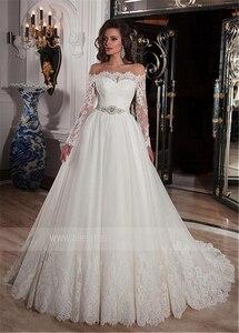Image 2 - Elegante Tüll Off die Schulter Ausschnitt Ballkleid Brautkleider mit Spitze Appliques Strass Perlen Gürtel Brautkleider