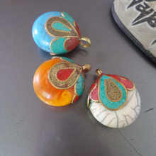 TBP593 Nepal Vintage Handmade Pendants Brass Capped Resin Bud Charms Multi Colors(China)