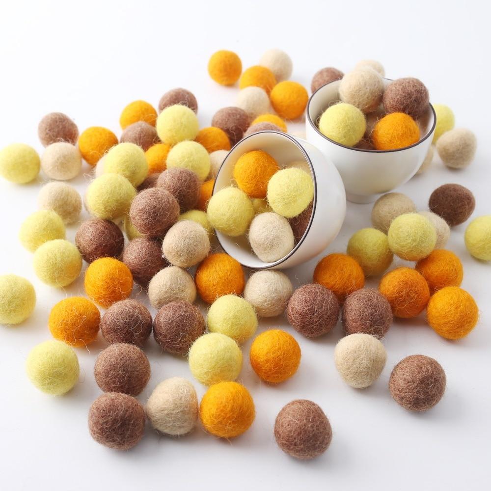 2cm 40pc 100% Wool Felt Balls DIY Crafts Round Felt Balls Pom Poms For Baby DIY Room Party Decoration Colorful Fetl Balls