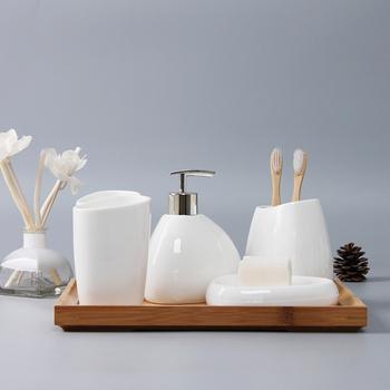 Prosta głupia biała ceramiczna armatura łazienkowa zestaw zestawy łazienkowe zestawów do mycia łazienka suite ceramiczne przybory do zmywania tanie i dobre opinie Surelife CN (pochodzenie) 190505 Zaopatrzony Ekologiczne Pięć częściowy zestaw