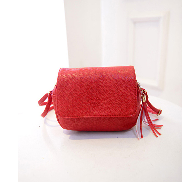 Cute Women Bag Leather Luxury Handbags Ladies Black Purse Small Bag Fringe  Cheap Messenger Bag Designer Case Crossbody Bags-in Crossbody Bags from  Luggage ... ae60db9c74420
