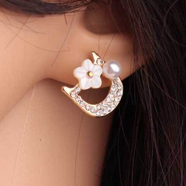 2017 New arrival Small fragrant pearl flower letter DD Earrings Fashion  Woman Lovely Pearl Earring c856ae209cfe