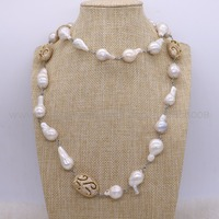 New Design Baroque Pearl Long Necklace Handcrafted Metal Chain Long Necklace Jewelry Gems Fashion Gift