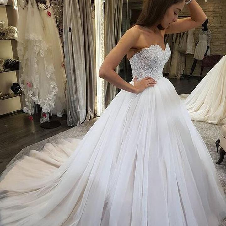Charming Sweetheart Pearl Lace Bodice Ball Gown 2019 New Wedding Dresses Backless Tulle vestido de noiva Bride Dress