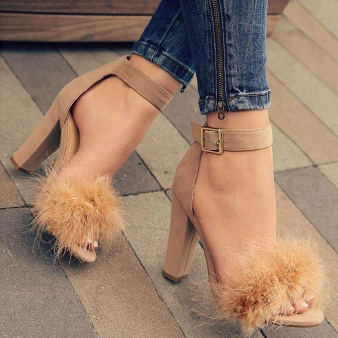 Women Fashion High Heels Thick Heel Shoes Faux Fluffy Fur Sandals Party Dress