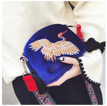 New Coming design Womens mini Shell bag velvet tassel clutch bag Hand embroidery Cranes retro Wide shoulder strap shoulder