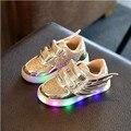 Взрыв моделей! 2017 Новых детских Блестящие Shoes Мальчики Девочки Мода СВЕТОДИОДНОЕ Освещение Shoes Спорт Совет Shoes Бесплатная Доставка