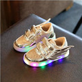 Explosion models! 2017 New Children's Shiny Shoes Boys Girls Fashion LED Lighting Shoes Sports Board Shoes Free Shipping