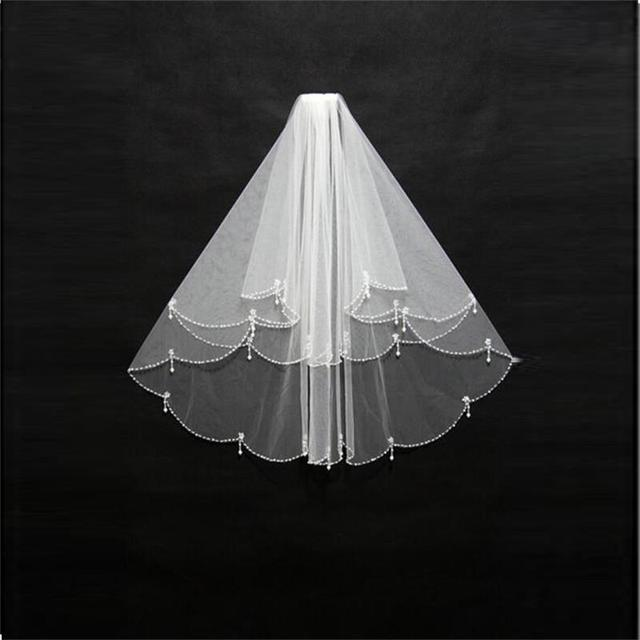 2016 In Stock Wedding Bridal Veils Beaded Edge White Three -Layer Veils for Wedding Short Wedding Veils Elbow Length