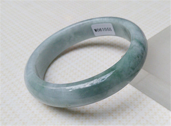FREE SHIPPING>>>@@ NEW 100% NATURAL BEAUTIFUL GREEN Natural stone BRACELET 57.6MM NEWFREE SHIPPING>>>@@ NEW 100% NATURAL BEAUTIFUL GREEN Natural stone BRACELET 57.6MM NEW