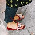 Уличный Стиль Красный/Черный Открытым Носком Velet Pearl Слайд Сандалии Женщин Шипованные Ботинки Бисероплетение Плоским Мулы Обувь Женщины тапочки