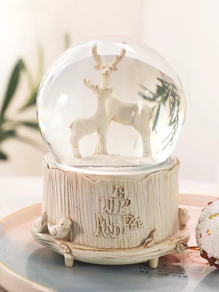 Reindeer In A Gift Bag Snowglobe Decoration Gift Bag Novelty Snow Globe