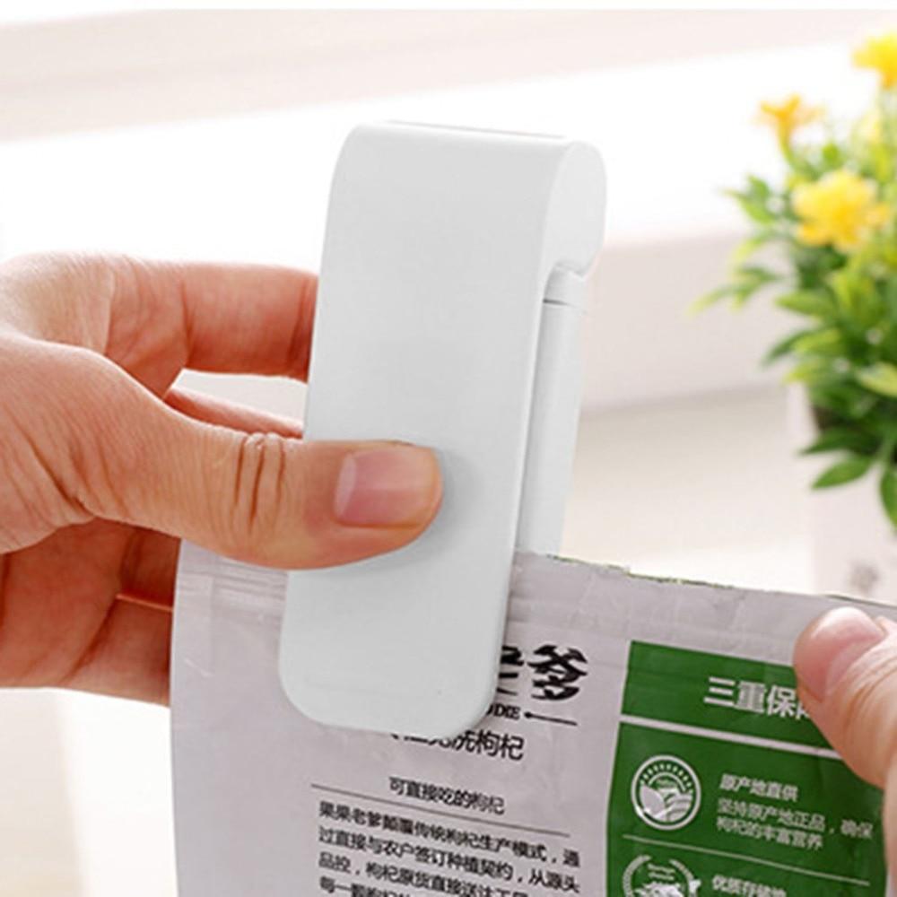 Mini Portable Heat Sealing Machine Handheld Electric Sealer Packing Plastic Bag Closer Heating Sealing Tool for Snacks Bag mini portable handy plastic bag sealer sealing machine