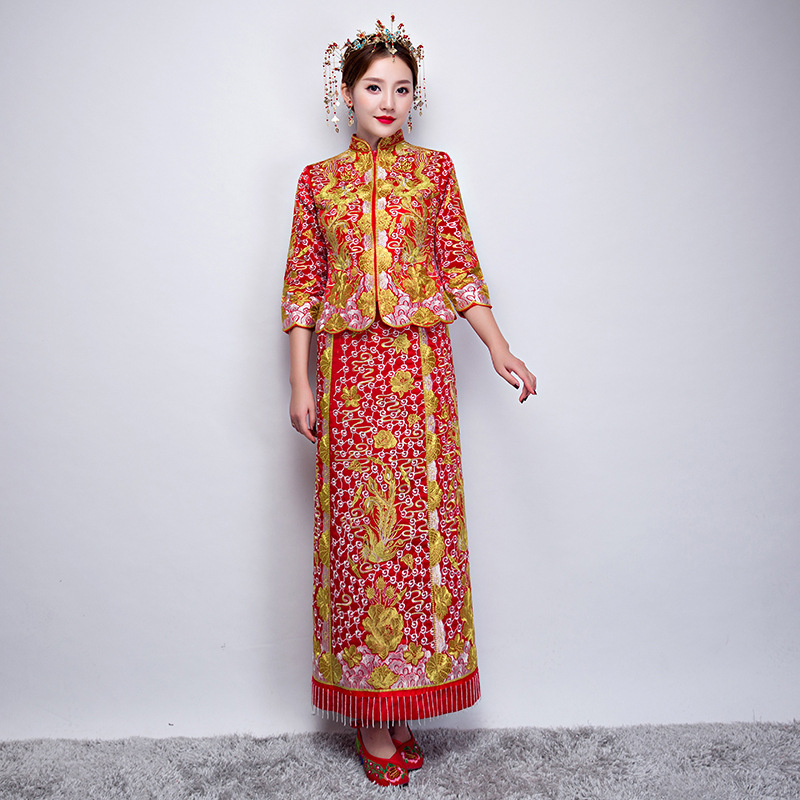 Oriental Asian Bride beauty Chinese traditional Wedding Dress Women Red Floral Long Sleeve Embroidery Cheongsam Robe