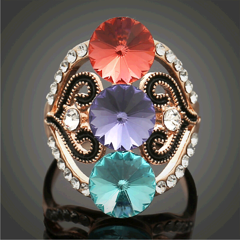 2017 <font><b>Hot</b></font> <font><b>Sell</b></font> <font><b>New</b></font> Fashion Exaggerated <font><b>Color</b></font> Crystal Stones Inlaid Retro Pierced Ring in Women Free Shipping <font><b>Wholesale</b></font> R-1