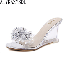 ad8d8d36c55838 AIYKAZYSDL D'été Clair Chaîne Perlée Haute Talons Sandales Femmes  Pantoufles Mules Coins de Cristal Transparent Chaussures De Ge.