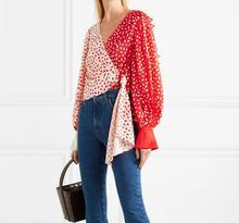 Modne koreańskie ubrania wiosna lato dekolt w serek Patchwork kobiety koronkowa bluzka Streetwear 2019 nowa latarnia rękaw Chemise Femme koszula tanie tanio Krótki Pełna Poliester COTTON Koronki V-neck Suknem